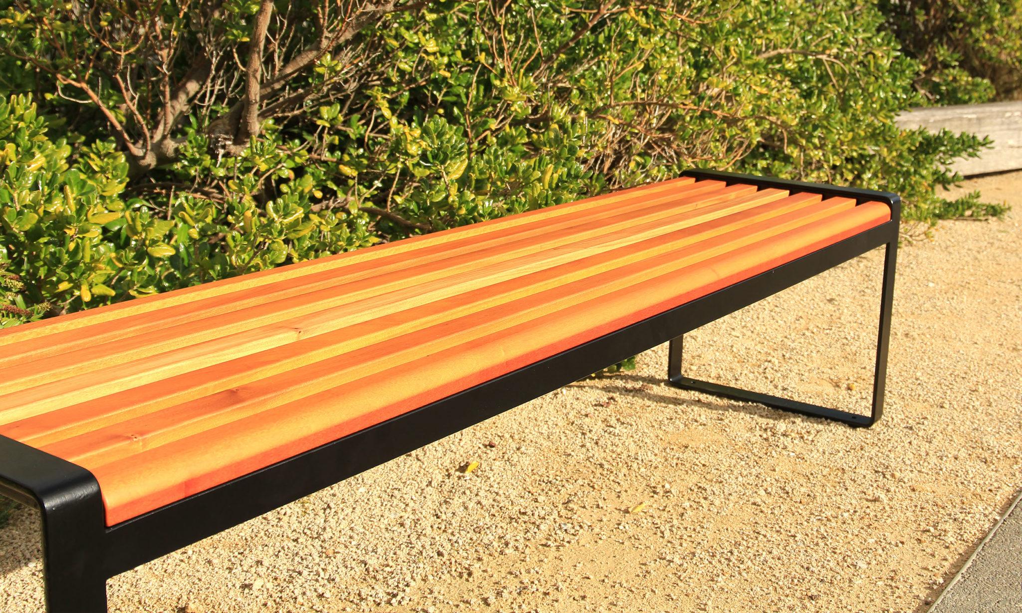 Omos s22 Bench 03