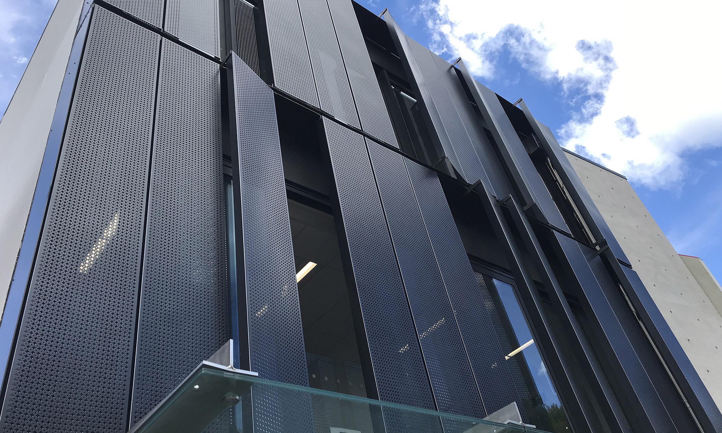 Queenstown Building Louvres 01