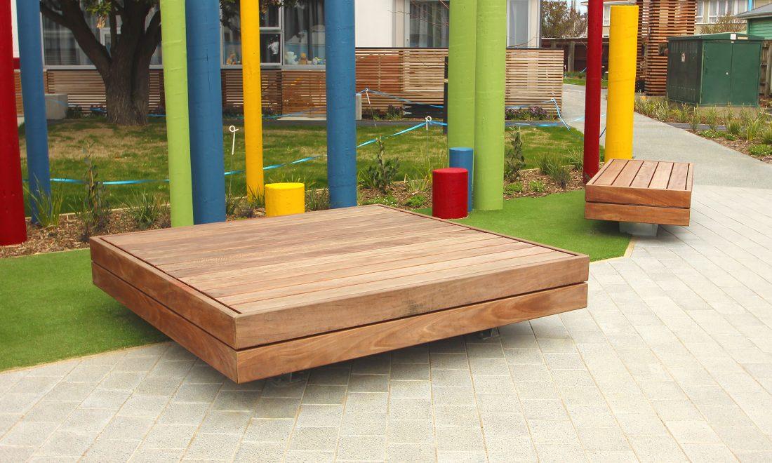 Plaza Platform