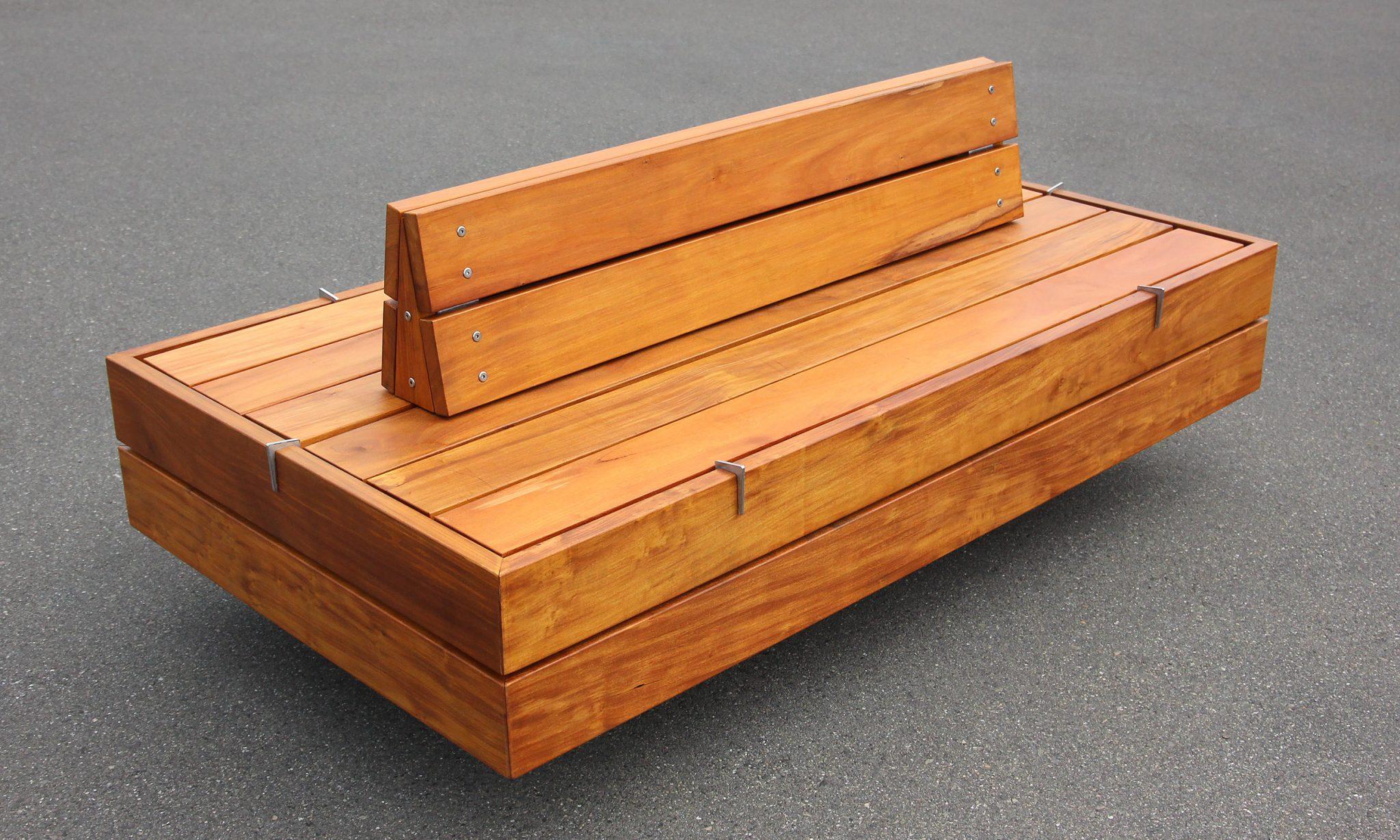 Plaza Platform with optional back rest